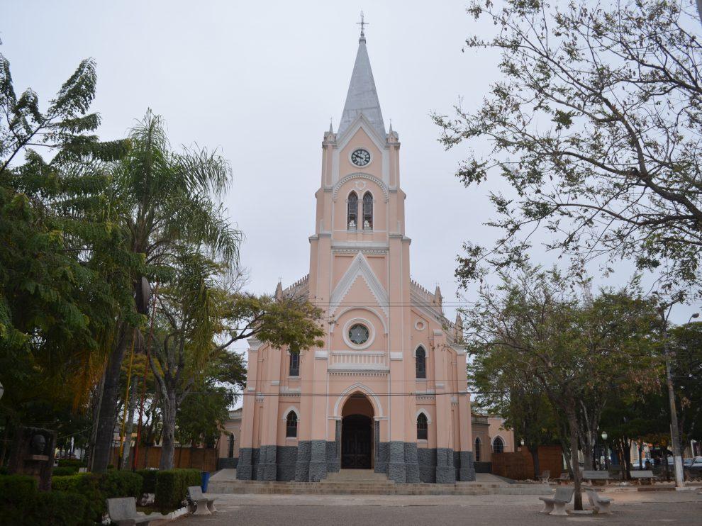 Angatuba São Paulo fonte: cdn.diocesedeitapetininga.org.br